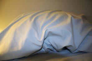 """""""Acordo com muita frequência depois de duas ou três horas de sono"""""""