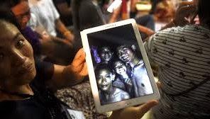 Crianças tailandesas foram resgatadas a dormir