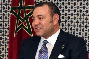 Rei Mohammed VI de Marrocos adormece em cerimónia oficial